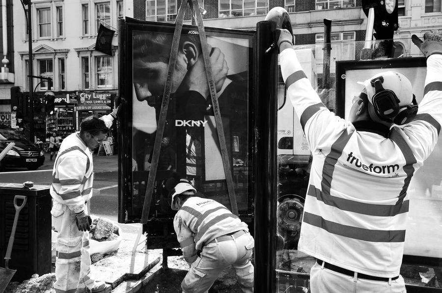 Fashion Workers. London Leica Rawstreets Blackandwhite Maxgor.com Maxgor Real People Streetphotography_bw Fashion The Street Photographer - 2016 EyeEm Awards Streetphotography Streetphoto_bw Oxfordstreet Peope Street Photography