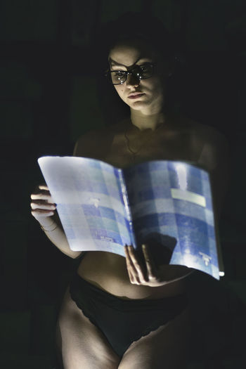 it's time to read Eye4photography  Fashion Fashion Photography Fashion&love&beauty Taking Photos Taking Pictures Getting Inspired Getting Creative Read Girl Still Life Lifestyles Freshness Working Face Light And Shadow Light Eyeglasses  Portrait Looking At Camera Standing Inner Power