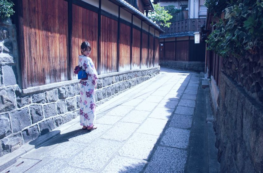 Tourist Kyoto Kimono Japanese Traditional Japanese Girl Japan Scenery Japanese Style Japan Japan Photography Japanese Culture Japanese  Hello World Tranquil Scene Tranquility Architecture Traveling Travel Travel Photography
