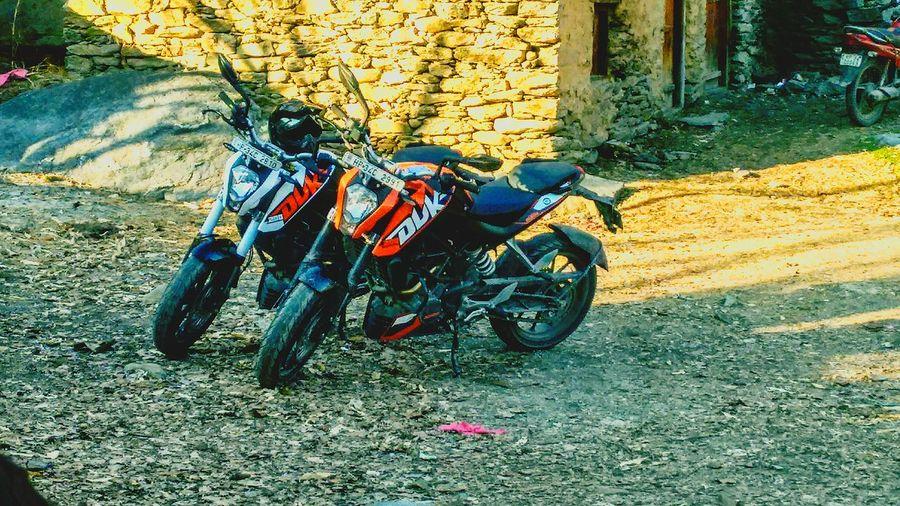 Sunlight Outdoors Day No People KTM Duke200 Orange White Transportation Stationary Himachalpradesh Kullu Valley
