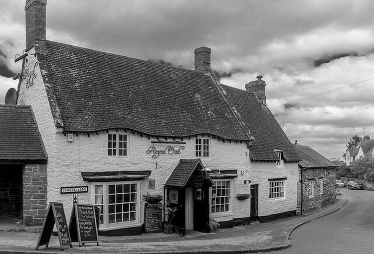 The Royal Oak, Blisworth, Northamptonshire Northampton Pubs Northamptonshire Architecture Black And White