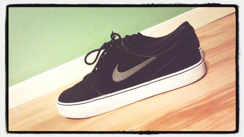 Nikes On My Feet★