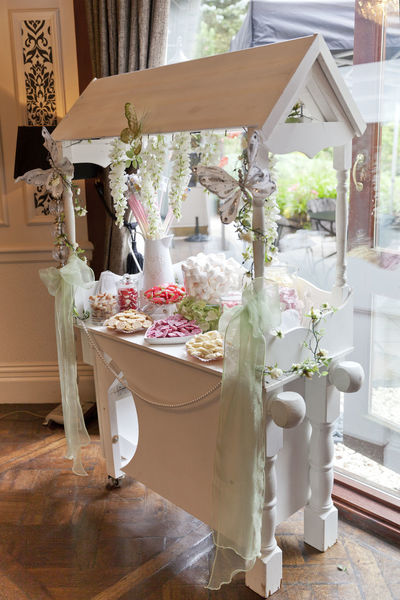 Candy Candy Cart Chocolate Freshness Goodies Hundreds And Thousands Love No People Wedding Wedding Candy Wedding Day Wedding Interior Wedding Photographer Wedding Photography Wedding Photos Wedding Sweeties Wedding Sweets Wedding Venue Weddings