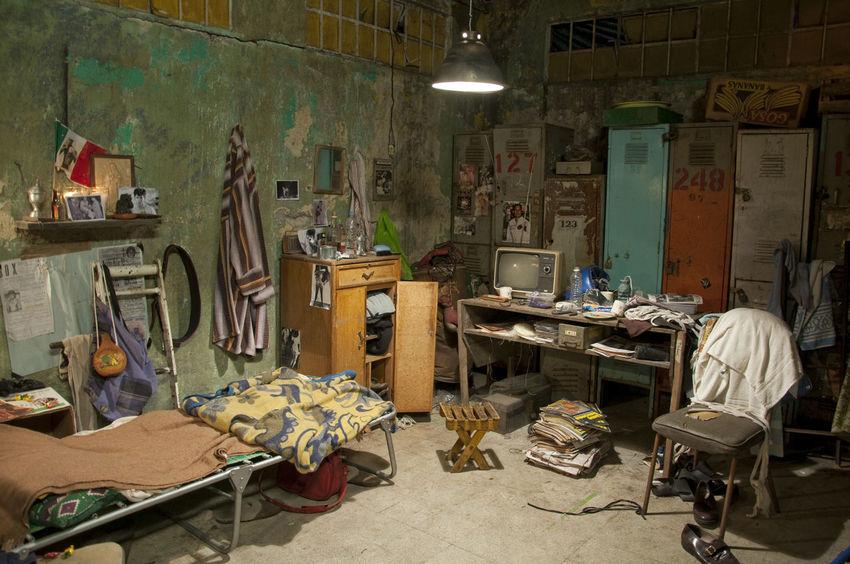 Bed Box Jail Room Tatoo Window Disorganised Messy Life Mess