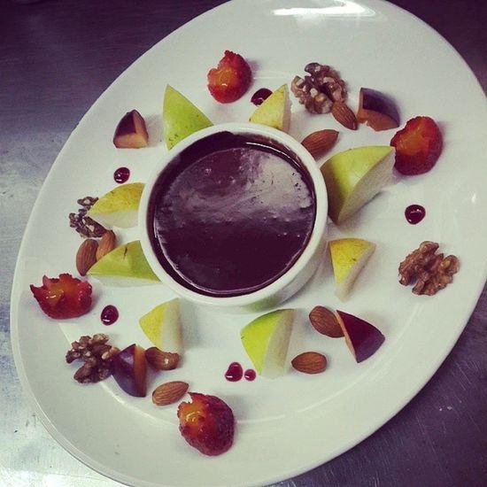 Season fruit fondeau Chef Respostero Apple Pear Strawberry Mango Chocolate Nuez Almendras Gastronomy Capo Barbarian