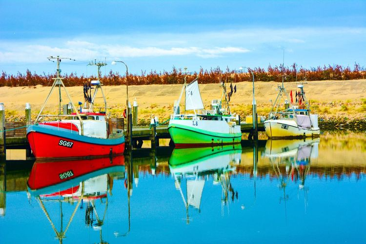 Three little boats #denmark #visitdenmark #danmark #boat #boats #ig_worldclub #ig_captures #fortbhullar #travel #traveltuesday #bbctravel #water #harbour #port #reflection #scandinavia #visitscandinavia #ig_great_pics #ig_europe #ig_scandinavia #travelgram #roadtrip #europe #houseofbhullar #morning #sea2fjord
