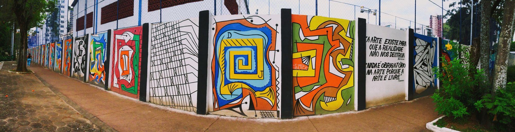 """""""A arte existe para que a realidade não nos destrua"""". """"Nada é obrigatorio na arte, porque a arte é livre"""" Street Art Onephotoaday"""