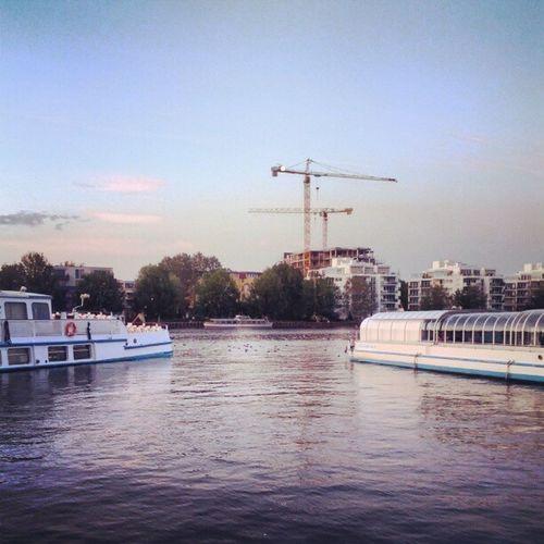 #Evening! #crane #Berlin #Spree #skyporn Berlin Evening Crane Spree Skyporn