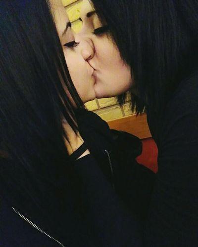 Lesbian Love Lesbians Lesbiansofinstagram Lesbiancouple Lesbianlove Lesbiansdoitbetter Girls Girlfriend Girlswhosmokeweed Metalhead Metalgirl Blackhair
