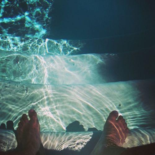 ... Et l'autre pause. Deep Poollife Home