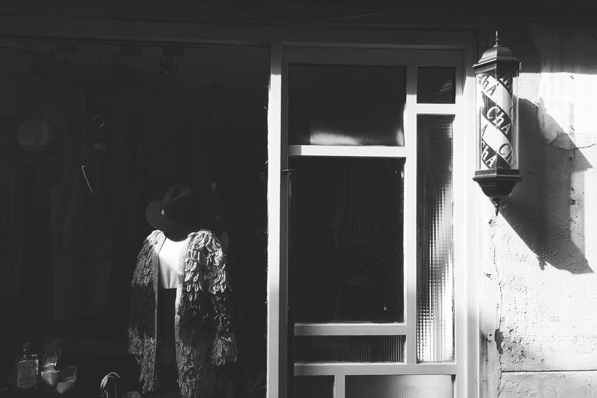 Lonely model without a love. Vscocam Xhinmania Photooftheday Blackandwhite Photography The Week Of Eyeem Cheese! Mood Model Windowdisplay Lonely Streetphotography Urbanphotography Fine Art Photography Monochrome Photography