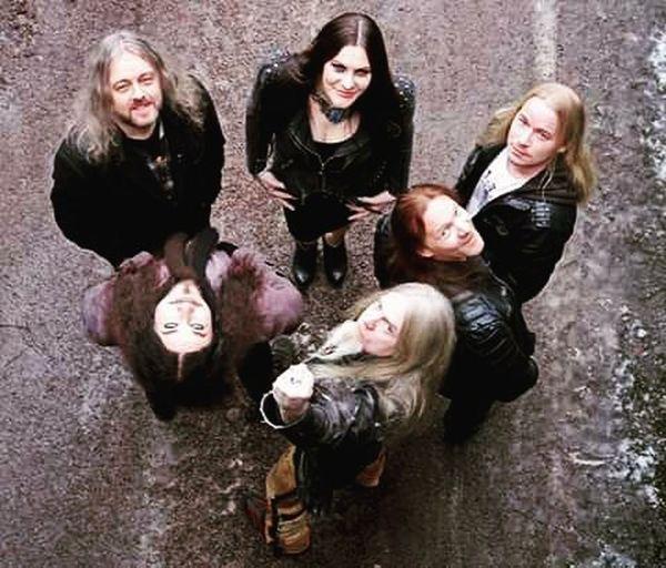 I miei unici grandi amori. Quanto vi amo banda di deficienti ❤ Nightwish Bestbandintheworld Love Tuomasholopainen Floorjansen Emppuvuorinen Marcohietala Jukkanevelainen Endlessformsmostbeautiful