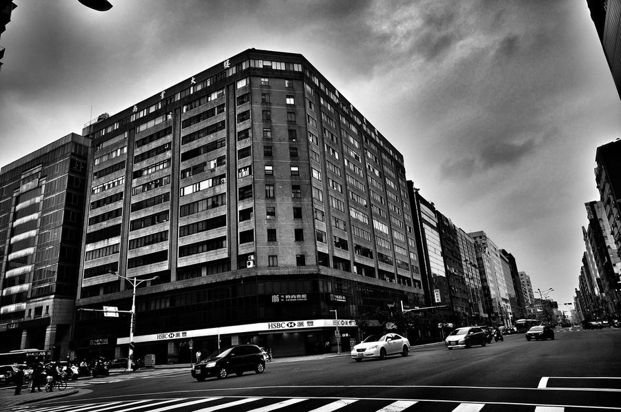 City taipei Taking Photos Enjoying Life City Long Way To Go... EyeEm Eyeam Street Sony Nex6 Taking Photos Light And Shadow Black And White Photography Eyeam_bestshot Taipei,Taiwan Black And White Check This Out See What I See See The World Through My Eyes Stree Photography