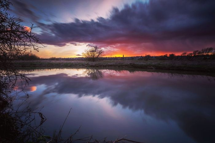 Rain or Shine Photography In Motion Clouds And Sky Riverside Reflections Sunset Fire In The Sky Northamptonshire River Nene Landscape Beautiful Nature Long Exposure Things I Like Here Belongs To Me Sunset Reflections Waterscape Cloudporn Riverbank Dusk Cloud Reflections Irthlingborough Great Britain Colourful Sky The Great Outdoors - 2016 EyeEm Awards The Great Outdoors With Adobe The Essence Of Summer