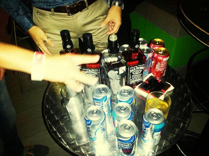 Drinking Jackdaniels Friends