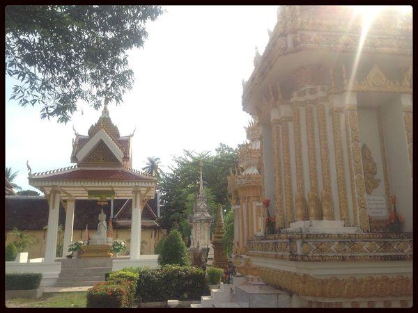 Budda Vientiane Wat Hello World