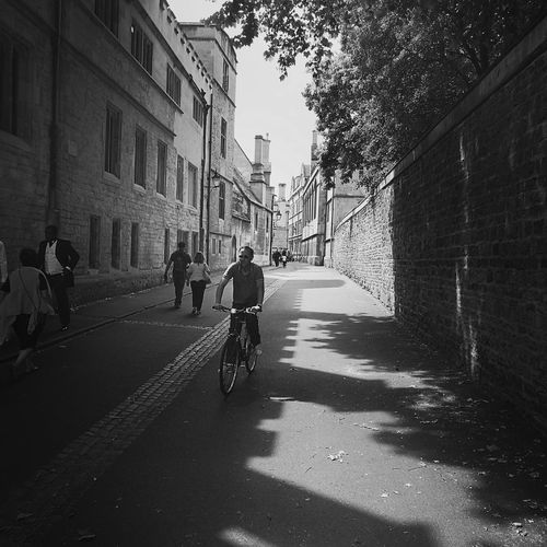 Stroll up brasenose lane Oxford First Eyeem Photo Bodlien Library Streetphotography Backalley