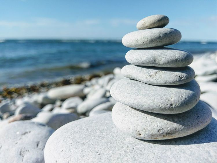 Sea Beach Stack Balance Water Sand Pebble Rock - Object Stability Nature In A Row Summer Tranquil Scene Scenics Water's Edge No People Horizon Over Water Beauty In Nature Blue Wave
