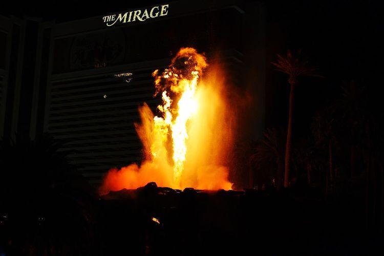 Night Flame Heat - Temperature No People Outdoors Las Vegas Mirage Mirage Hotel Volcano Explosion Explosion Of Color