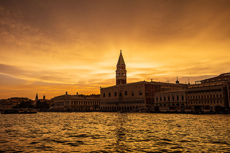 Canale Grande Red Venedig Venice, Italy Architecture Building Exterior Built Structure Canal City Cityscape Cloud - Sky Coluds Day Nature No People Outdoors Politics And Government Red Color River San Marco Sky Sunset Travel Destinations Water Waterfront