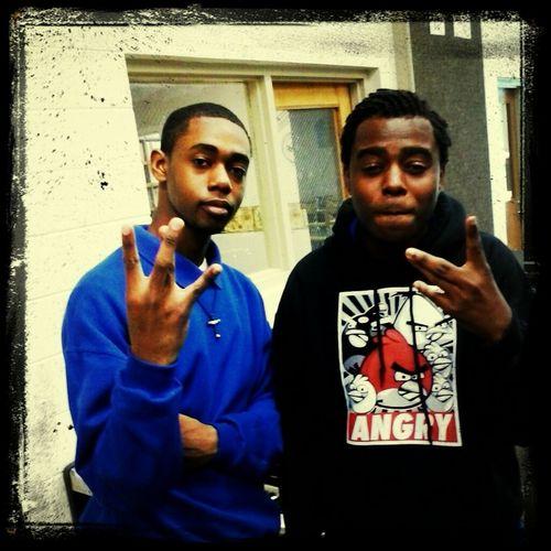 me nd my nigga Dee thuggin.. yea I influenced him 2 rep that west side