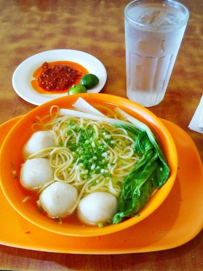 Food And Drink Food Table Freshness Ready-to-eat Healthy Eating Still Life Plate Vegetable Drinking Glass Noodles Noodle Soup Fish Ball Noodle Chili  Hawker Singapore S
