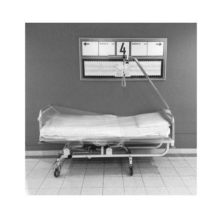 Indoors  No People Hospital Bed Waiting Death Illness Krankenhaus Krankenbett