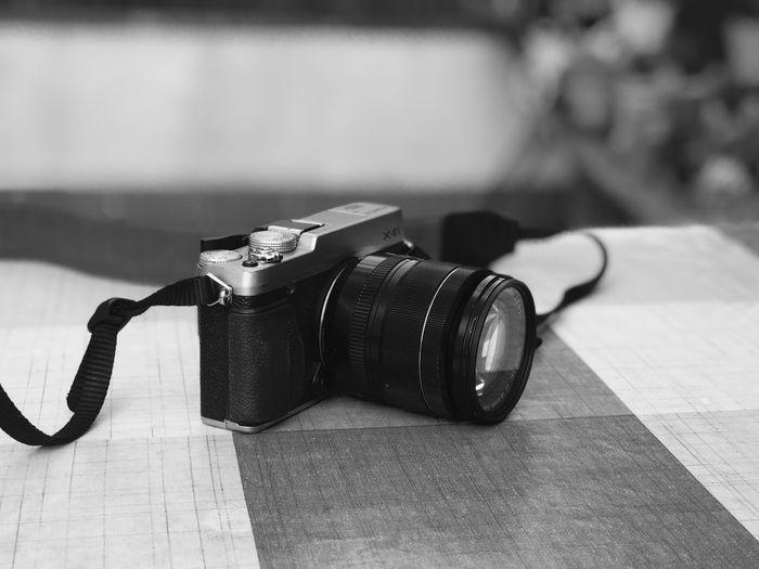 Fuji X-E1 Fujistas Black & White Blackandwhite Black And White Bnw Fujifilm Fujifilm XE1 EyeEm Selects Camera - Photographic Equipment Digital Single-lens Reflex Camera Digital Camera Photography Themes Table Indoors  Camera Photographing No People Technology SLR Camera EyeEmNewHere