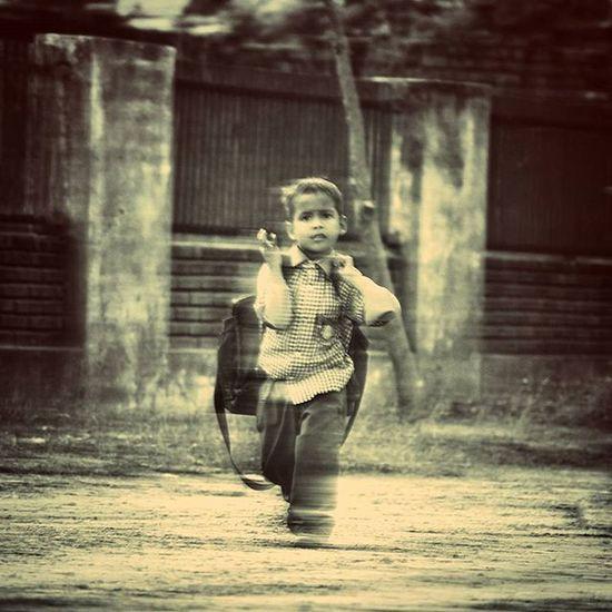 School time.. Photograph Photographer Photography Streetphotography Streetphotographyindia Longexposure Canon Canon700D Kid Childhood Mypixeldiary Thememorylane _soi _oye Lifeofindia Igers Igoftheday Instagramers Instagram Instaindia Magichatworks