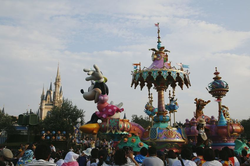 東京ディズニーランド (tokyo Disneyland) 東京ディズニーランド 東京ディズニーランドホテル Disneyland Disneyland Tokyo Disneyland Tokyo Resort Disneyland<3 Tokyo Disney Land Disneytokyo Japan Disney Parade Minnie Mouse Statue Celebration Carousel Multi Colored Sky Amusement Park Ride Parade