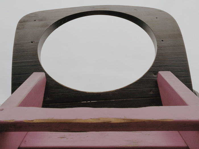 Circle No People Close-up Day Outdoors Hole In The Sky Hole Wood Holztextur Holz Holeshot Hole In The Fence Hole In Your World CIRCLE Of LIFE Circle In The Middle Circle Pattern Circle Window