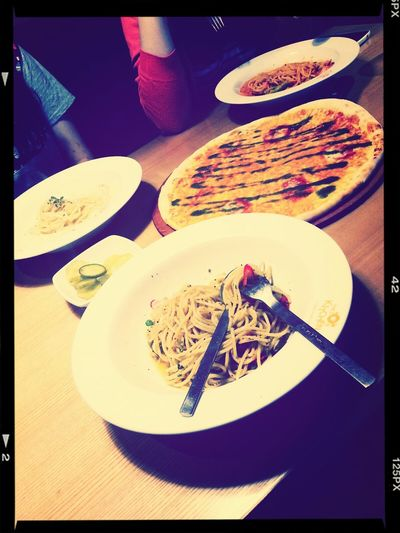 last lunch with friends before summer vacation. missu~~ Eating