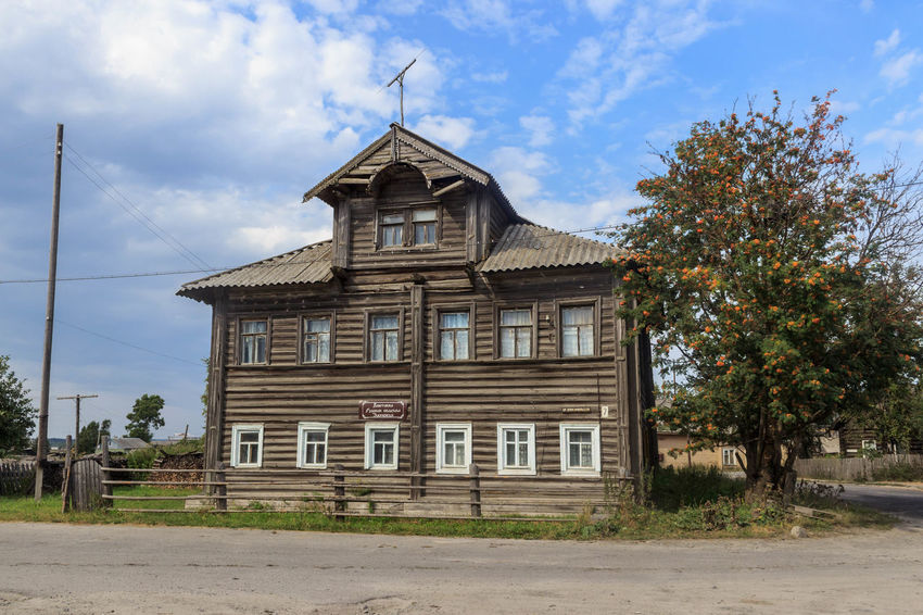 History architecture Amazing Architecture Beautiful Building Building Exterior Built Structure Cloud Cloud - Sky Day Exterior Façade History Karelia Majestic Outdoors Russia Sky View Window Wood архитектура дом история карелия Россия