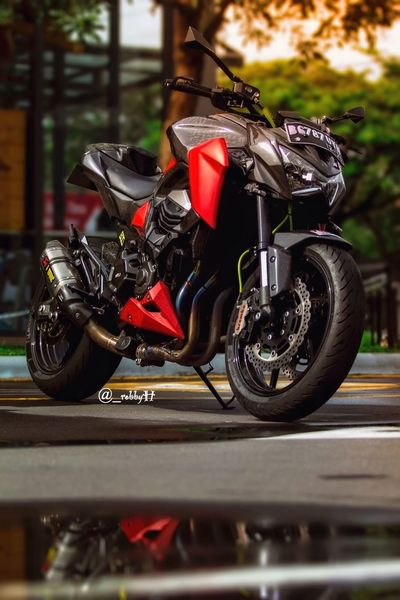 Boys Toys....👊 Motorcycle Sports Race Outdoors No People Motorcycle Racing Motorsport Day Motorcycle Transportation Motorsport Sportbike SportBikeLife Kawasaki Kawasaki Z800 Kawasaki Ninja Kawasakiindonesia