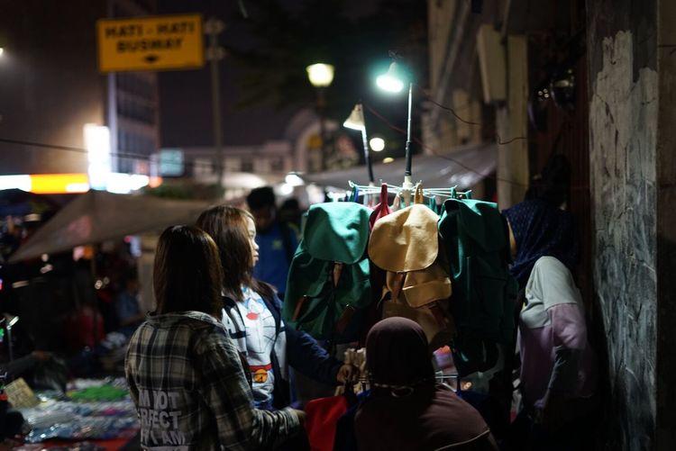 Women Real People Night People Strangers Embrace Urban Life