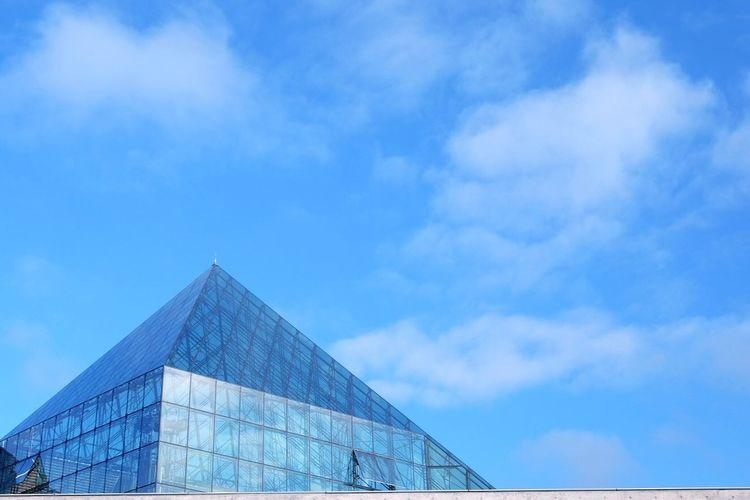 ガラスのピラミッド。 北海道 札幌 モエレ沼公園 ガラスのピラミッド Hello World Japanese  Enjoying Life Photographer Trip