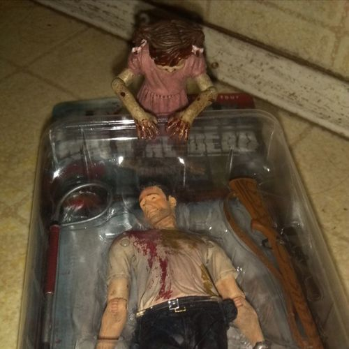 @dani_to_tha_ella thanks for the heads up! Who woulda thought walgreens for walking dead figures
