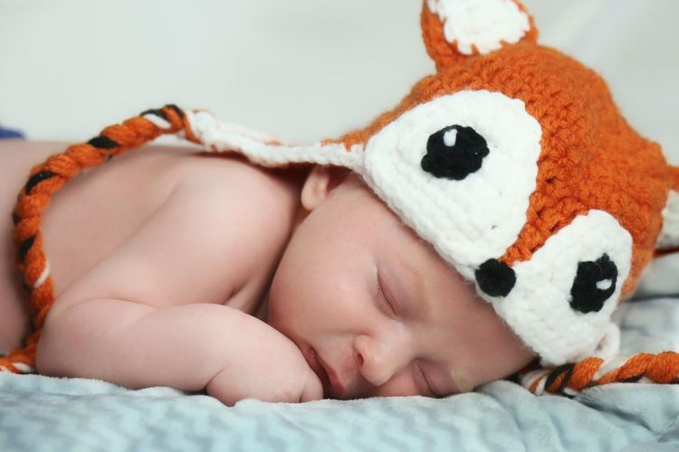 Preciouse Adorable Love Lying Down One Person Bed Indoors  Childhood Baby Close-up People Bedroom Babies Only Sleeping Baby  New Born Baby Hat Fox Knitted Hat Proud Parents