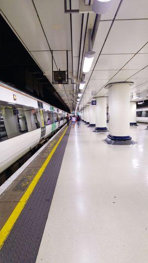 Railway Station Railway Platform Well Lit Platform Journey Photography Journeys End Victoria London