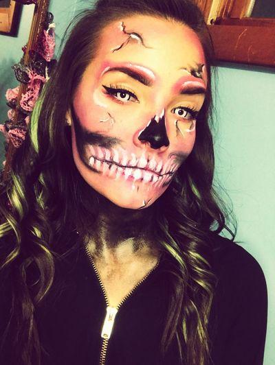 Halloween Happy Halloween Halloween 2k17 I'm Gonna Getcha Skull Skullmakeup Neon Pink DIY Mua I Do My Own Stunts I Do My Own Makeup