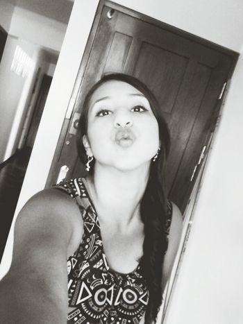 Muah ♥ Peruvian Girl Beauty Sweet