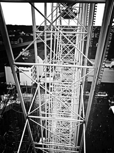 High up from wuma! Big Wheel Wurstmarkt Bad Dürkheim Construction