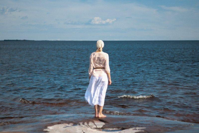 Blue Wave Sea And Sky Blue Eyeemphotography Taking Photos Photographer Minimalism EyeEm Gallery EyeEmBestPics EyeEm Team Photooftheday Russia Seaside Hanging Out валаам EyeEm Nature Lover