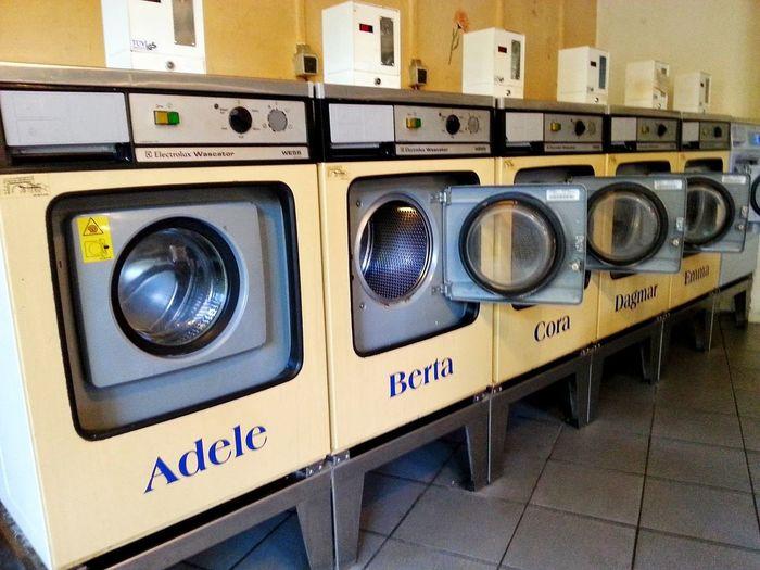 Waschsalon Waschmaschine Washing Machine Salon Old School Retro Antique Wash Technology Laundromat Washing Machine Old-fashioned Electrical Equipment Close-up Electric Meter