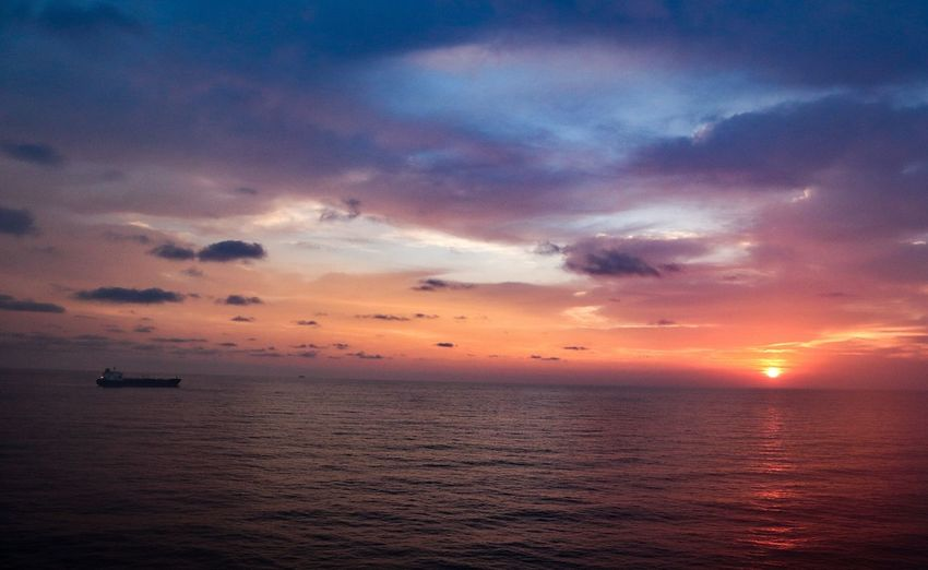 Buenas dias mexico Sunset Water Sea Sunset Multi Colored Beach Awe Backgrounds Nautical Vessel Dramatic Sky Sky Romantic Sky Sky Only Silhouette Outline Calm Palm Frond Rays Evening Meteorology Heaven Cumulus Moody Sky Tide Sunrise Shining Seascape Atmospheric Mood Sun Streaming
