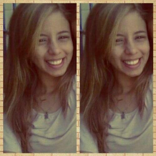 - Sempre que puder faça alguém sorrir. B.madrugada DeusMeuGuia Galega Sdd :')
