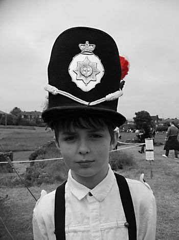 Makingmemories Handsomeson Coldstreamguards Shako Childhoodmemories Livinghistory Child Photography Children Photography Children Borninthewrongera Sheffieldmanorlodge Sheffield Dayoutwithkids LovingLife Southyorkshire Handsome Boy Peopleandplaces The Portraitist - 2017 EyeEm Awards Sommergefühle
