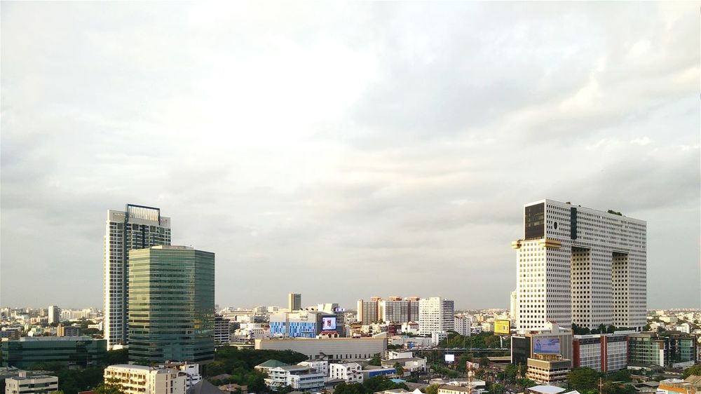 Can you spot the Elephant Building? Cityscapes Eyeemthailand Bangkok Thailand Mobile Photography Oppofind7 Sky City View  Architecture Buildings