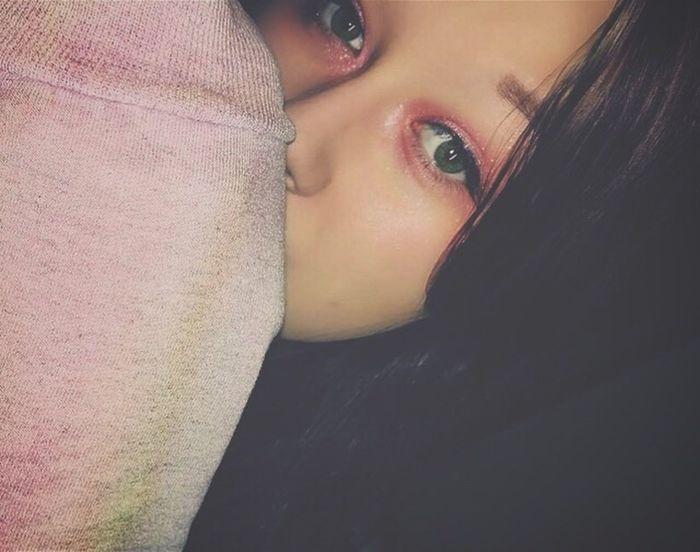 Don't get too close, it's dark inside. Makeup Pink Glitter Green Eyes Selfie Tie Dye Me