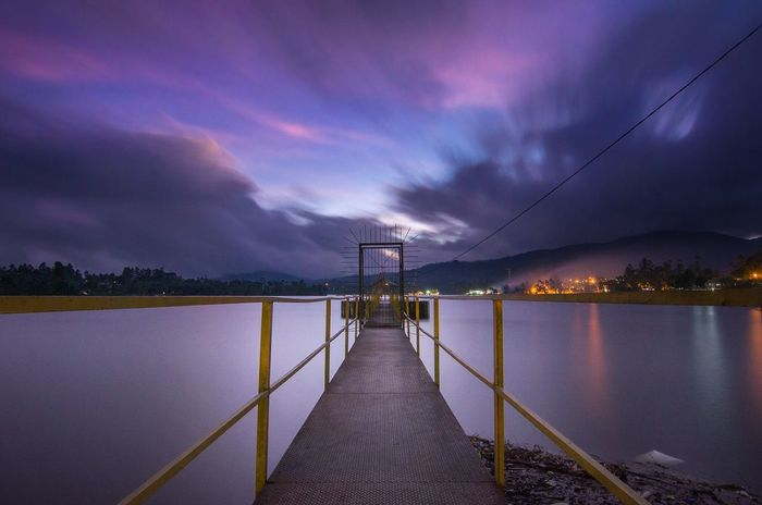 Night Travel Destinations Water No People Sky Architecture Outdoors Astronomy Nightphotography Nightshot Nightscape Longexposure EyeEm Indonesia EyeEm The Best Shots EyeEmNewHere EyeEm Best Shots - Landscape Pesonaindonesia Exploreindonesia Explorepangalengan Iamindonesia Landscape Seascape Water Reflections EyeEm Selects Be. Ready.